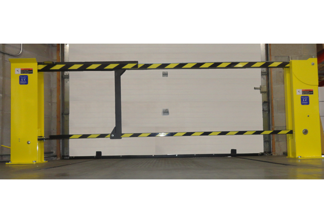 http://knkmaterialhandling.com/wp-content/uploads/2016/08/Dock-Impact-Barrier-LC-with-background-640-x-440.png