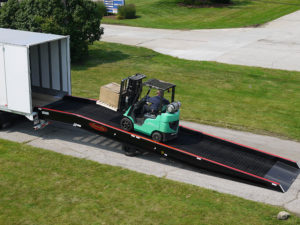 mobile-yard-ramp-with-fork-lift