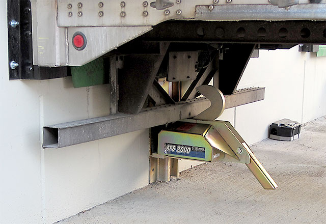 https://knkmaterialhandling.com/wp-content/uploads/2016/08/aps-2000-vehicle-restraint.jpg